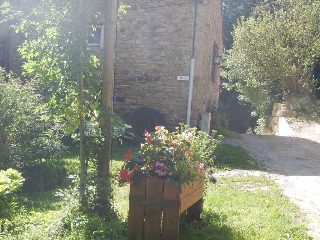 Pretty stone cottage heated pool woodland view terrace for 23 woodlands terrace