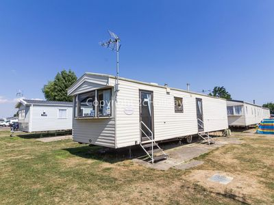 Photo for 6 berth caravan for hire at Seawick caravan park near Clacton on Sea ref 27020