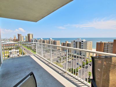 Crystal Tower 1101-This is the Perfect Spring Break Spot! Bring the Family and Live the Beach Life