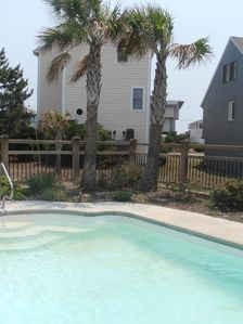 Photo for Private Pool with Hot Tub