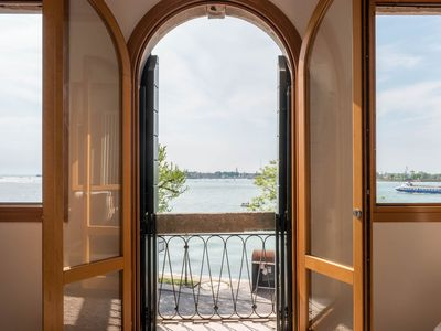 Photo for Apartment in Venice with Air conditioning, Parking, Washing machine (907395)