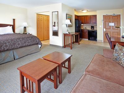 Photo for Indoor Pool + Free Wi-Fi, Free Breakfast | Only 20 Minutes from the University of Notre Dame