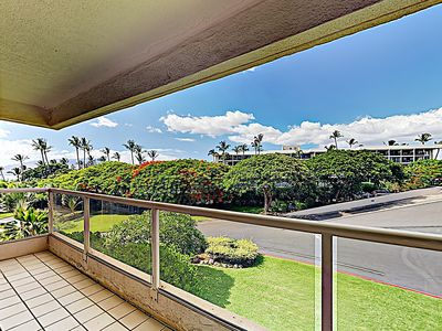 Lanai - Enjoy peekaboo ocean views from both lanais.