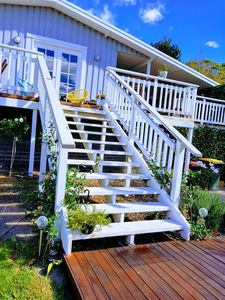 The fabulous Hamptons staircase 😍😍😍