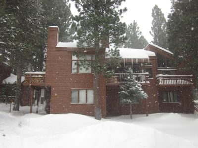 Photo for Freshly Remodeled Townhome - Easy Access to Skiing/Hiking, Shopping & Restaurant