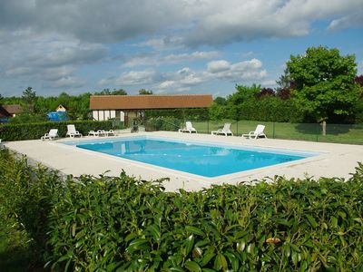 Photo for Large handicapped accessible chalet, swimming pool, shared tennis, barbecue, terrace