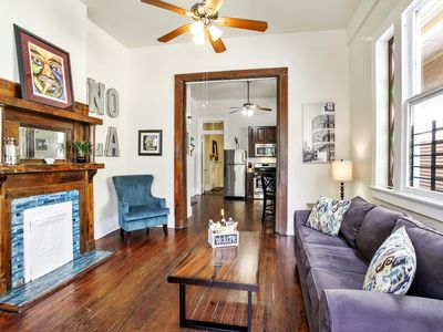 Photo for Charming Lower Garden District Apt With Reaustrants/bars In Walking Distance