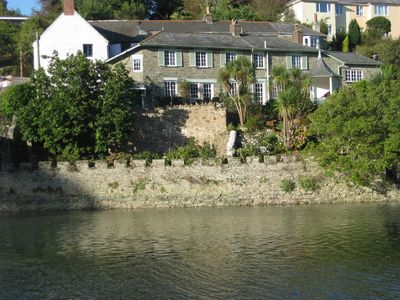 Photo for Detached house with private parking, large garden, estuary mooring & seclusion