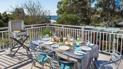 Photo for Araluen on Holden - great deck with ocean views