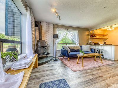 Photo for NEW LISTING! Newly updated, dog-friendly condo w/ kitchenette - ski-in/ski-out!