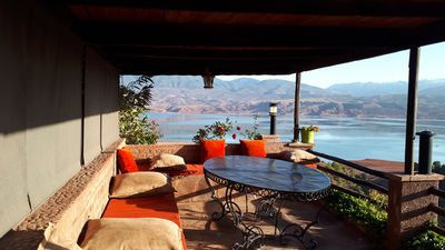 Photo for Small pretty house with lake view terrace