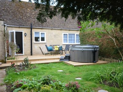 Photo for 2BR Bungalow Vacation Rental in Cheltenham