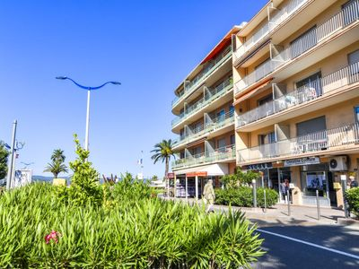 Photo for Apartment Le Miramar in Cavalaire - 4 persons, 1 bedrooms
