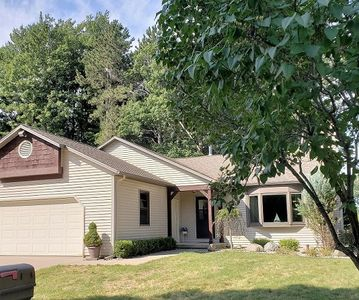 Photo for Updated 3 bedroom w/ Views of Portage Lake!