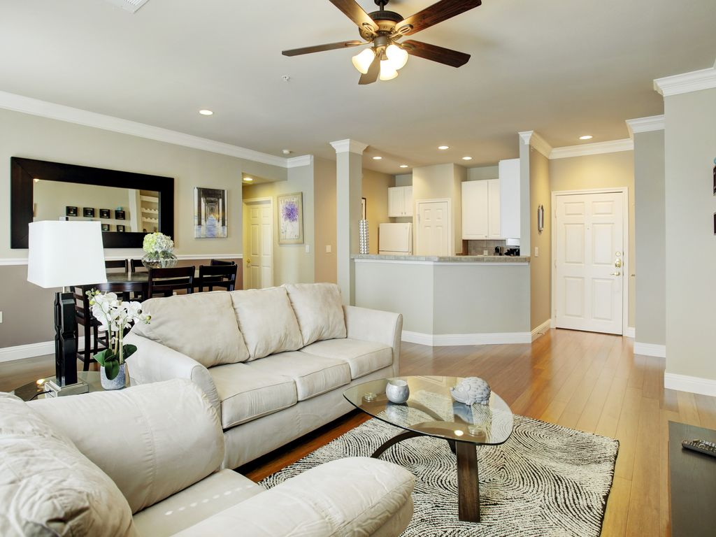 A Warm Galleria Home - For Corporate Or Vacation Stays - 1Bdrm W/ Pullout Couch