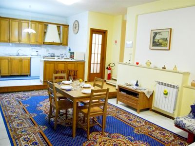Photo for Scala Righetto apartment in Trastevere with WiFi & lift.