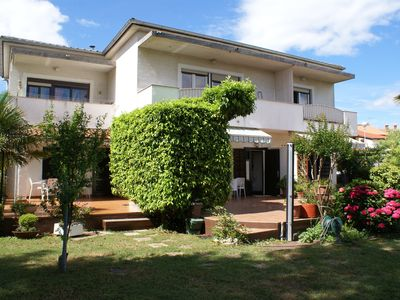 Photo for Apartment for 4-5 people with air conditioning, satellite TV, garden and barbecue