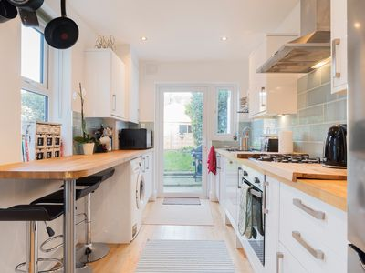 Photo for A beautiful period 4 bed London House in Catford zone 3