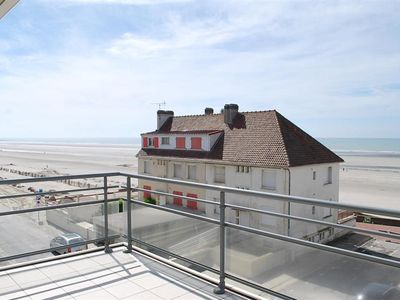 Photo for FORT MAHON BEACH: Charming apartment with balcony overlooking the sea.