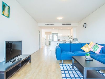 Photo for Stylish & Minimalism 3bd apartment in North Ryde