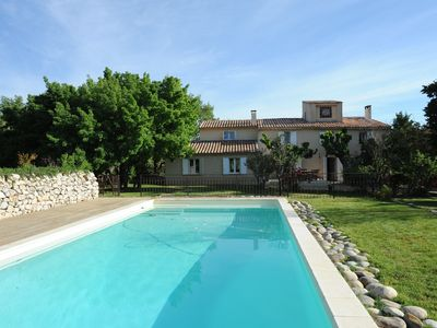 Photo for Provencal villa with pool and view of the Sainte Victoire