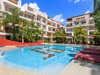 Photo for COMFORTABLE & GREAT VIEW FROM BALCONY, 1 Block 5th avenue Playa del Carmen