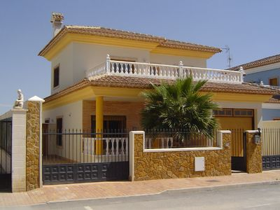 Photo for Luxury villa with private pool, close to the beach