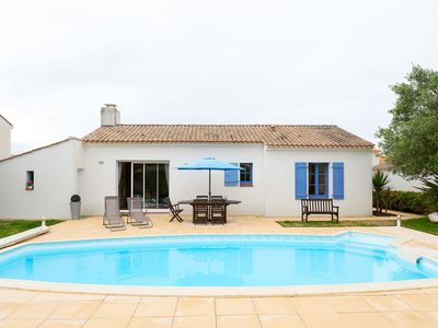 Photo for Luxurious villa with a dishwasher, only 3.5km from the beach