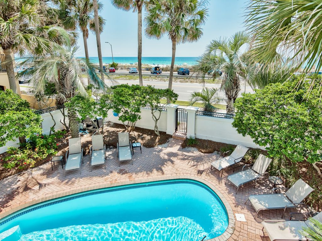 Seaside Palace Game Room Pool Amp Hot Tub Vrbo