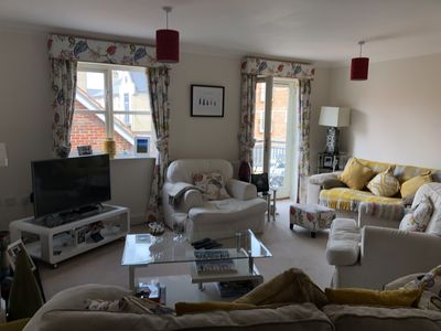Photo for Bright clean town house close to City Centre