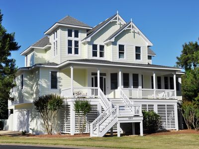 Photo for Tee's Tease: 5 BR / 4 BA house in Corolla, Sleeps 12