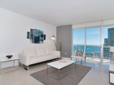 Photo for Renovated modern apartment with 2 bedrooms front Ocean views. FREE SPA