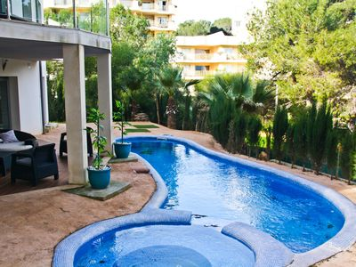 Photo for Villa with pool close to Magalluf