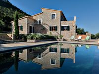 Great villa with gorgeous mountain and sea views