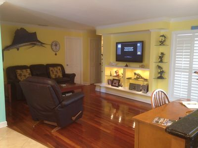 MIDDLE LIVING ROOM
