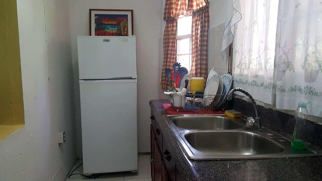 2 Bedroom Apartment in Rose Hall near the Sea