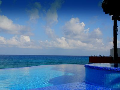 Photo for LAST MINUTE NEW YEAR AVAILABILITY --Tropical Paradise-Inside and out!