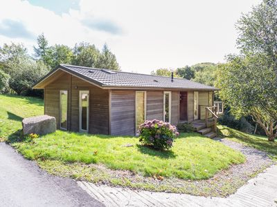 Photo for 4 LAKE VIEW, family friendly, with hot tub in Lanreath, Ref 991431