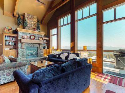 Photo for Spacious ski-in/out townhouse with private hot tub and incredible views!