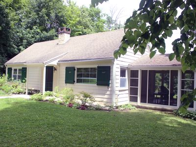 Charming cottage Located in the Heart of the Berkshires.