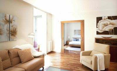 Photo for Comfortable Apartment with View over Plaza Catalunya - B341