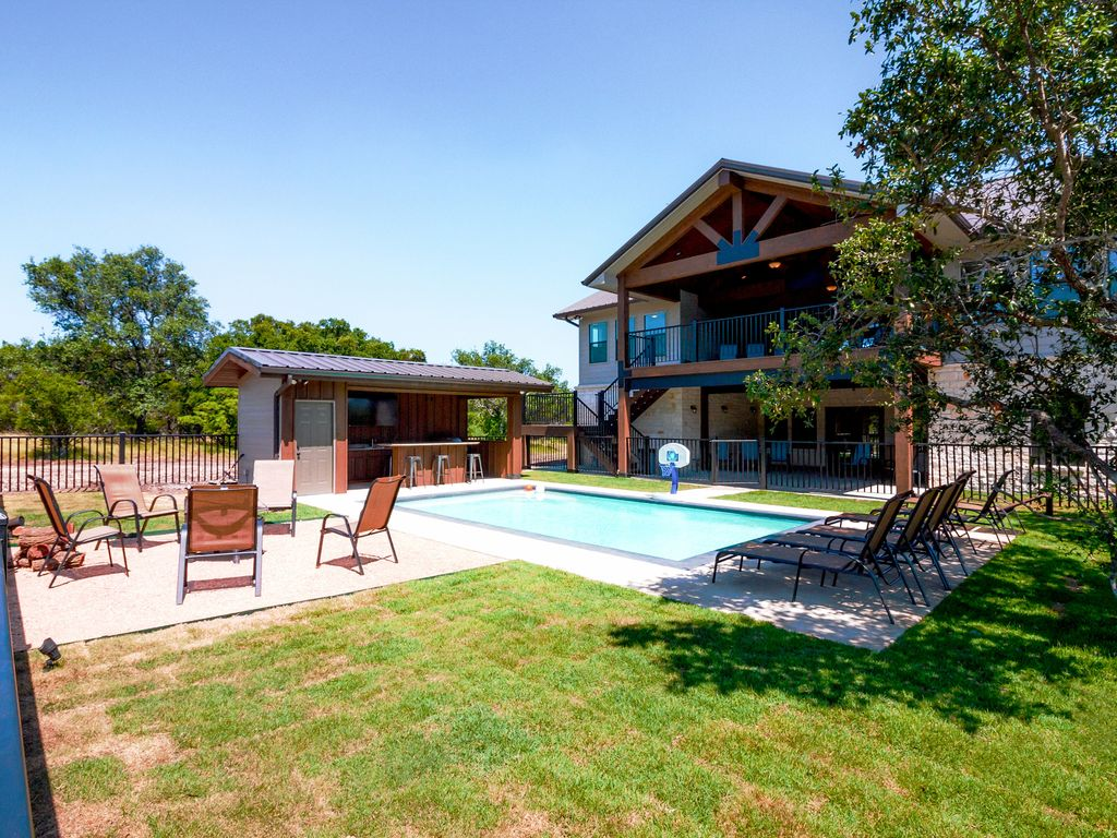 The Reindeer Run Vacation Home Rental Concan Texas Hill
