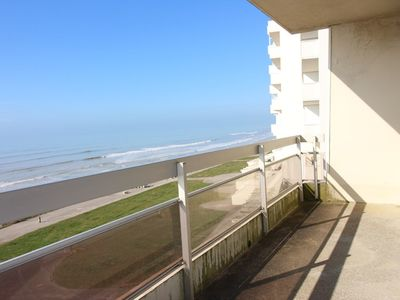 Photo for Beachfront apartment on the 2nd floor, 2 bedrooms