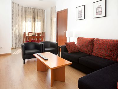 Photo for Classy Sants apartment in Sants with WiFi, balcony & lift.