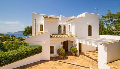 Photo for Beautiful Villa with Private Pool and Garden, Sea Views