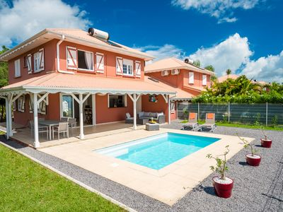 Photo for Quiet 4 bedroom villa with private pool, between sky and sea