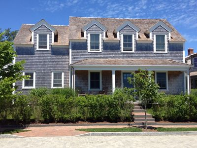 Custom 5 Br Home On Quiet Street 10 Minute Walk To Town And Beaches
