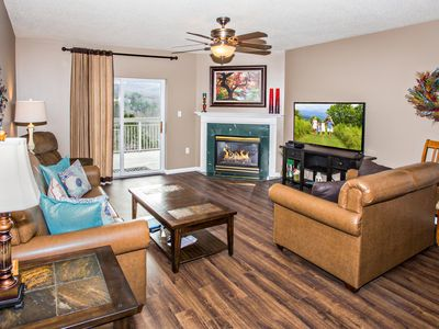 Renovated! Hardwood, Leather, King Beds, Granite, Stainless Steel Appliances