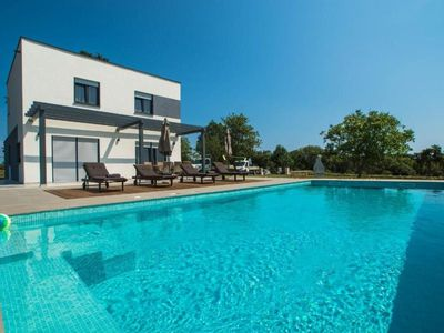Photo for Holiday house Pula for 6 - 8 persons with 3 bedrooms - Holiday house