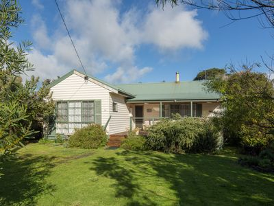 Photo for 14 Glyndon Avenue, Ventnor